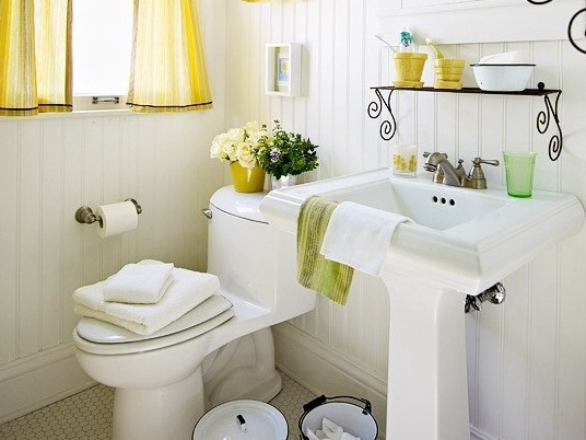 Decorate Your Small Bathroom