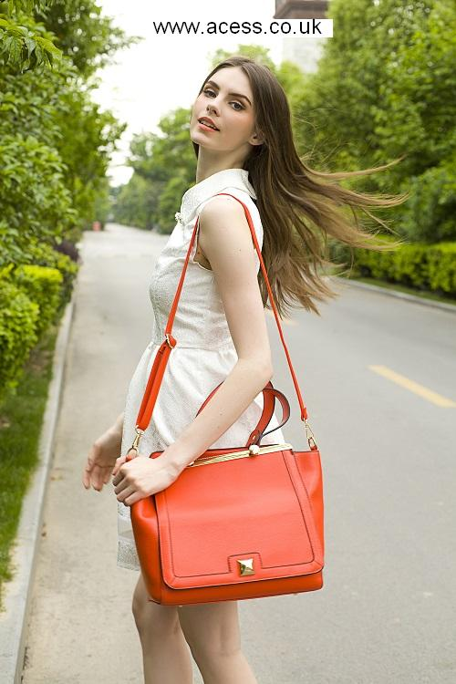 Prepare For Spring: Women Handbags