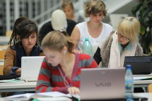Benefits Of Attending Online Colleges and Universities